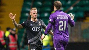 kilmarnock-goalkeeper-jamie-macdonald-celebrates-kallum-higginbotham-celtic-draw_3379623