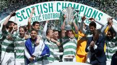 Celtic celebrate winning the Scottish Premiership following the the Scottish Premiership match at Celtic Park, Glasgow. PRESS ASSOCIATION Photo. Picture date: Sunday May 24, 2015. See PA story SOCCER Celtic. Photo credit should read: Danny Lawson/PA Wire. EDITORIAL USE ONLY.