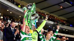 skysports-scott-brown-celtic-league-cup-trophy_3841481